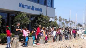 kids outside museum 1 300x170